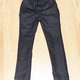 Стильные зауженные брюки Next для девочки6 лет. 116 см