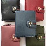 Маленькие кошелечки в стиле Gucci.