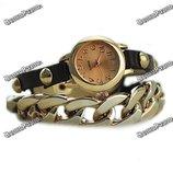 Женские наручные часы с декоративной цепочкой черного цвета