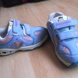 Фирменные кроссовки SNOOPY размер 27,стелька 17.5 см.