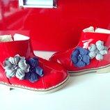 Красные лаковые ботинки