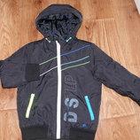 Куртка на мальчика 4-5 лет,классная