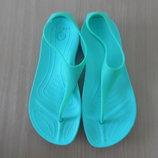 Босоножки девочке 5 р 22,5 см стелька Crocs Крокс оригинал зеленые лето море