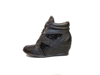 Ботинки-Сникерсы женские демисезонные на шнуровке и липучке. Размер 35-41.
