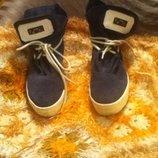 Ботинки 39 размера.