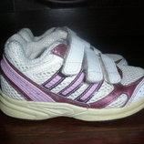 Кроссовки Adidas р.23 по стельке 13см. б/у но в отличном состоянии.