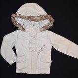 Короткая демисезонная курточка для девочки на 3-4 годика