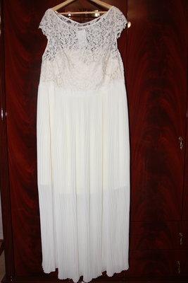 55e8616290a51bd Шикарное вечернее, возможно и свадебное платье от H&M больших размеров.