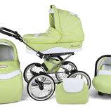 Стильная детская коляска