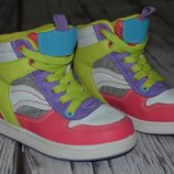 8 эвро фирменные кроссовки сникерсы хайтопы детские девочке
