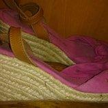 стильні рожеві плетені босоніжки р40 Pepe Jeans