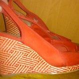 стильні червоні босоніжки р36,5 M&S