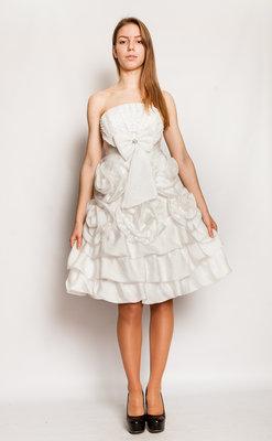 Продам выпускное,вечернее платье Обемные розы