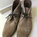 Продам замшевые ботинки Clarks
