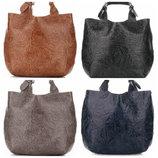 Кожаная женская сумка с тиснением