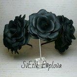 Обруч с черными розами.