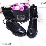 Женские зимние ботинки Moschino