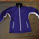 Легкая фирменная куртка-ветровка фиолетового цвета Bjorn Daehlie Норвегия. M.