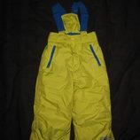 4-5 лет, тёплые зимние лыжные штаны на лямках салатовые