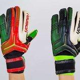 Перчатки вратарские с защитными вставками на пальцах Reusch FB-869 2 цвета, размер 8-9