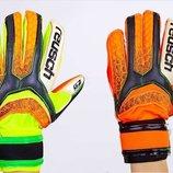 Перчатки вратарские с защитными вставками на пальцах Reusch FB-873 2 цвета, размер 8-10