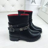 Женские зимние черные ботинки Moschino кожаные