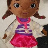 мягкая кукла мулатка доктор Плюшева Doc McStuffins Disney Англия оригинал 35 см