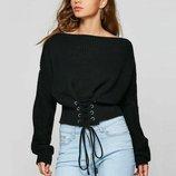 Женский вязаный свитер со шнуровкой спереди черный