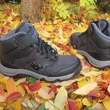 Новые демисезонные кожаные ботинки New Balance. разм.29-30. оригинал