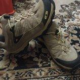 Кроссовки ботинки фирмы salomon