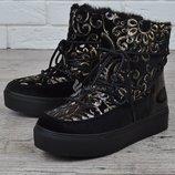 Дутики бархат Rio Grande на платформе с вышивкой женские зимние ботинки