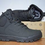 Зимние мужские кроссовки Nike.