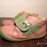 Сапожки,сапоги,ботинки,полусапожки размер 25 фирмы Blooms, б/у