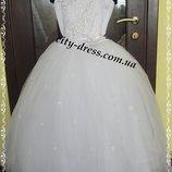 белоснежное нарядное платье- вналичии