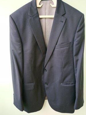 Большой выбор мужских пиджаков разных размеров и расцветок отличного качества
