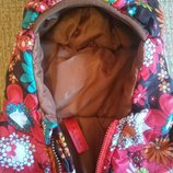 Демисезонная курточка на девочку р.98-104