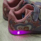Кроссовки светящиеся 23см