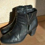 Кожаные ботинки сапоги Clarks 41 размер