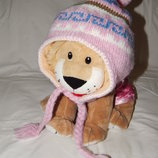 Розовая вязанная шапка с ушками. Обхват головы - 50 см.