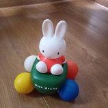 Ігрушка резинова, дівчика- зайчик Miffy
