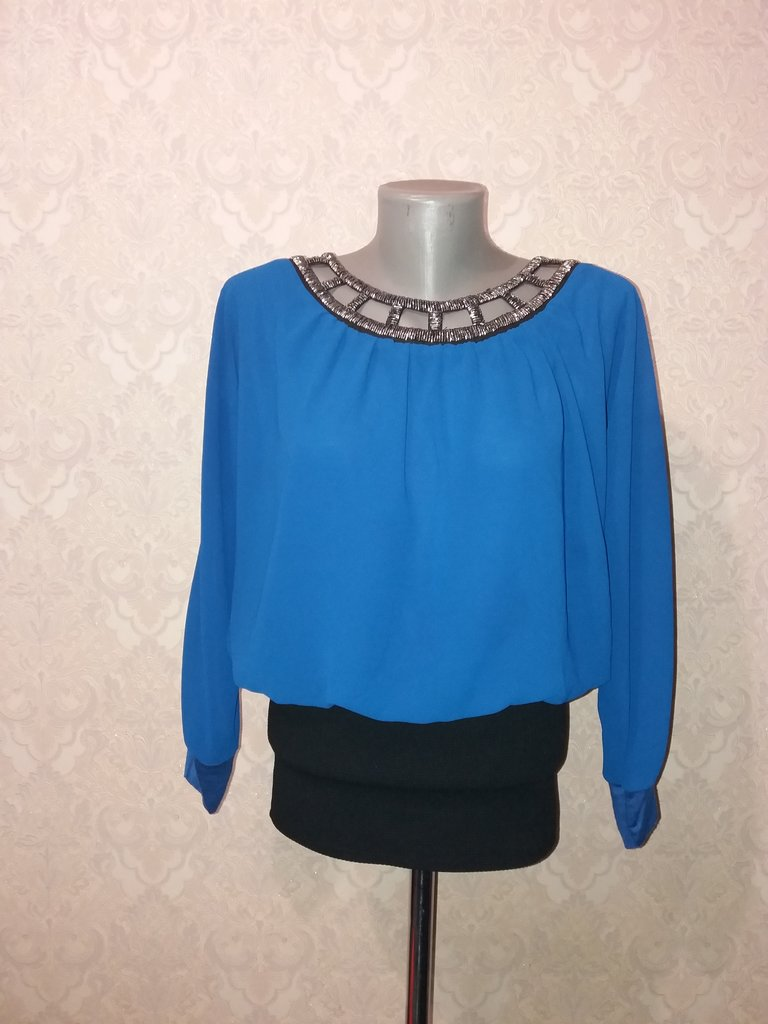 93d24b40c59 Ярко-Синяя блуза с бисером  350 грн - рубашки