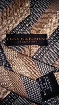 Стильный ,модный брендовый галстук от Donna Karan.Шелк.Италия