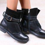 Зимние женские ботинки, черные, из натуральной кожи и замши, на меху, с ремешком и замком посередине