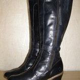 Элегантные высокие сапоги бренда dr.martens, 39,5р. натуральная кожа цвет,британия