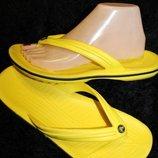 41 разм. M7 W9 фирменные и яркие Crocs. Оригинал. Made In Vietnam
