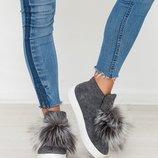 Ботинки, слипоны, валенки из валяной шерсти с помпоном из чернобурки