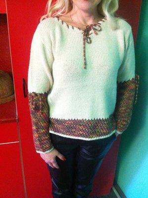a2c60dfeb05 Нежный Тёплый шерстяной Свитер бренда MOGISA Турция с Ажурным разноцветым  этнопринтом