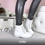 Женские белые зимние ботинки
