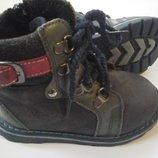 Кожаные ботинки на маленькие ножки.