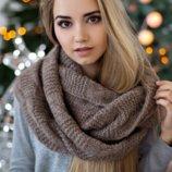 Вязаный женский шарф-снуд «Нобелия»
